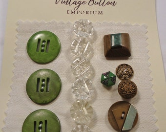 Vintage button selection - green and glass (Ref C05)