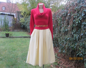 Full Skirt / Skirt Vintage / Size EUR40 / 42 / UK12 / 14 / Side Pocket / Yellow Full Skirt / Viscose / Side Elastic Waist