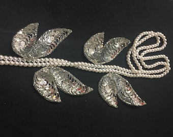 4 Beaded Sequins LEAF  Applique in SILVER