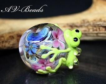 AV-Beads handmade Lampwork Frog bead SRA