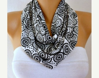ON SALE --- Mandala Printed Chiffon Infinity Scarf,Fall Scarf. Circle Loop Scarf  Gift Ideas For Her Women Fashion Accessories