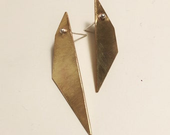 Random Polygon Asymmetrical Studs