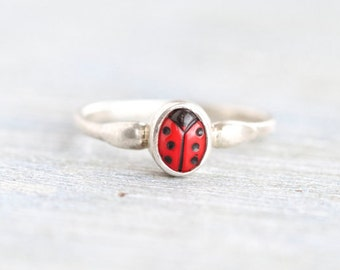 Ladybug Ring in Sterling Silver - Ladybird Vintage Ring Size 4.5