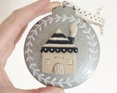 The Holiday series - black and cream tin house