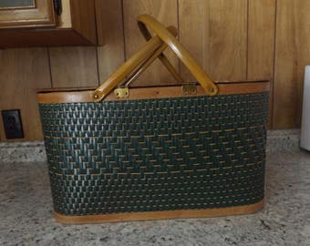 Vintage Green Woven Picnic Basket w/Metal Handles and Insert 60's