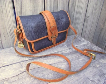 Vintage DOONEY & BOURKE Leather Crossbody Shoulder Messenger Bag - Black - East West - Authentic All Weather Leather - Duck Fob