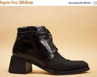 20% OFF 1DAY SALE 90s Vtg Black Leather & Suede Chukka Ankle Boot / Lace Up Minimalist Mod Sleek Chunky Platform Wood Heel / Us 6.5 Aa- 6 Eu