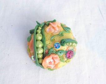 Mrs Sweetpea Brooch * Vintage Inspired, Handmade, Rhinestone Shimmer Pea Pod Flower Jewellery