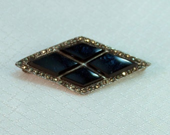 Vitnage Art Deco Diamond Shape Sterling, Onyx and Marcasite Brooch