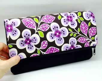 Foldover zipper clutch, zipper pouch, wedding purse, evening clutch, bridesmaid gifts set - Purple and white flowers (Ref. FZ27)