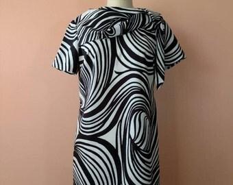 Mod 1960s Black White Abstract Swirl Dress by Pat Nichols 60s dress Small Medium