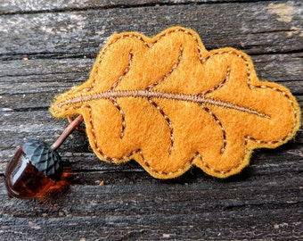 Acorn and Leaf Brooch - Topaz