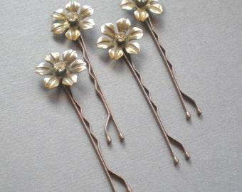 Charming BRIDAL Rhinestone Hair Pins. Vintage Brass Flower Hair Jewelry. GIFT . Chic Prom. Bride Maids. Shower Gift. Flower Girl. chic prom