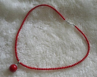 Free shipping - 4 mm red coral analogues & 14 mm shell pearl necklace pendant