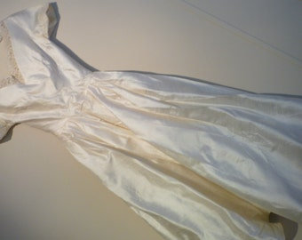 Jackie Kennedy Style Wedding Dress..Mid Century..Shantung Silk..French Alencon Lace..Hoop Slip, Hat, Gloves