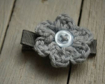 Crochet Flower Alligator Hair Clip in Silver Grey
