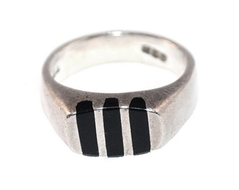 Sterling Silver Ring,  Black Onyx Inlay, Striped Modernist Design, Ring Size 8