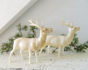 Vintage Reindeer White Holiday Decor