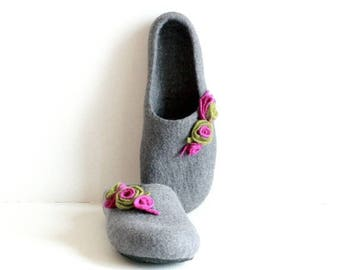Mothers day gift  - Women felted wool slippers - grey felt slippers with purple and green roses - gift for her - slippers for women