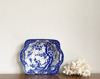 Small Vintage Asian Blue White Porcelain Dish Prunus Branches Chinoiserie Chic