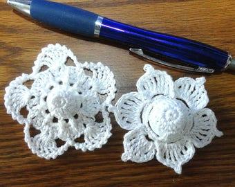 Button flowers #bf06 lot of 2 crochet appliques bouquet decoration adornment embellishment motifs wedding birthday