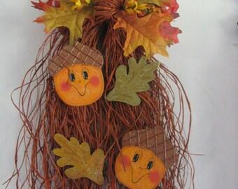Acorn Bow Raffia, Fall decor, door hanger, fall leaves. wall decor, acorns