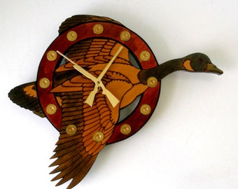 TRIG-O-LOCK Flying Goose Wall CLOCK Stained Wood Hunting Remington Shells Shotgun Hands 1980s Fall Colors Outdoors Quartz Runs Great Vintage