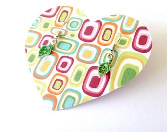 Green leaf earrings. Leaf earrings. Green earrings. Linnepin010