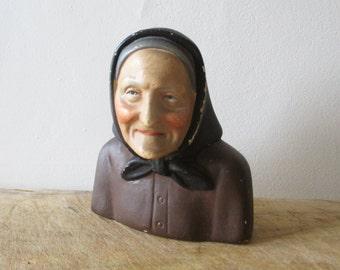 Vintage french old woman statue, 1950, Antique plaster statue, Plâtre, Santon, France