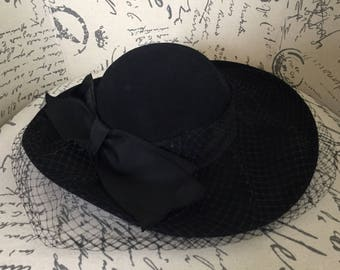 Vintage 1950s black formal hat