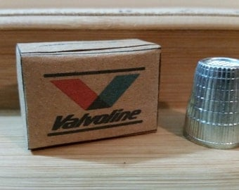 G-2  Miniature Valvoline motor oil case   for Garages, dollhouses and man caves