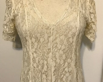 Vintage beautiful paneled lace & linen short sleeve midi dress