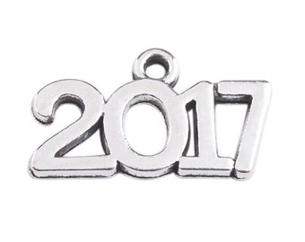 10 pieces - 2017 year charm pendant - Class of 2017 charm, Antique Silver -  RTS - Ready to ship