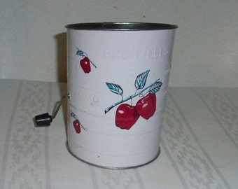 Vintage Bromwell's Sifter, Apple Motif, Great Condition