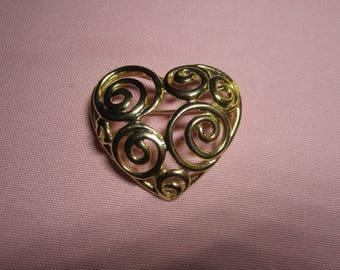 SALE Vintage Goldtone heart brooch, vintage pin brooch, estate jewelry brooch
