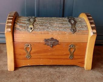 Vintage Wood Box, Jewelry, Men's, Collectible, Trinket, Keepsake, Live Edge, Brass, Cedar, Handle, Latch, Storage, Organization, Home Decor
