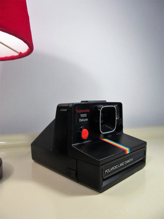 polaroid camera 1000 supercolor 1000 deluxe black color red button sx 70 type instant film with. Black Bedroom Furniture Sets. Home Design Ideas