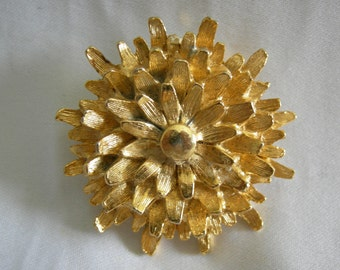 GERRY'S Brooch Pin | Gold Tone Layered Floral Petal Design  | Vintage