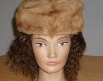 Free shipping! Mid-century honey blond mink pillbox hat Small