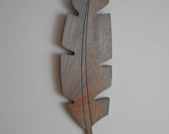 Rustic Weathered Grey Feather Wood Wall Hanging, Farmhouse Decor, Boho Decor, Nursery Decor, Wood Feather Sign, Feather Decor, Tribal Decor