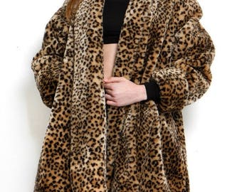 FLASH SALE Vintage 1990s Leopard Cheetah Plush Faux Fur Jacket Coat XL