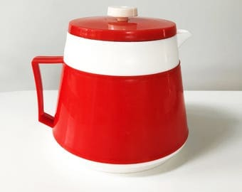 REDUCED Vintage 1960s Welware Red and White Thermal Tea Pot / Jug