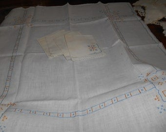 Embroidered Tablecloth with 6 Napkins / Crocheted Edging