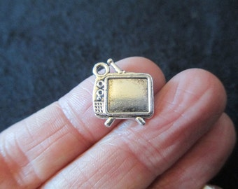 Pack of 20 Double Sided Tibetan Silver RETRO TELEVISION Pendant Charm