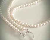 Sale! Pearl eyeglass necklace,  freshwater pearl eyeglass holder pendant, eyeglass loop necklace,pearl glasses holder, gift ideas, holidays