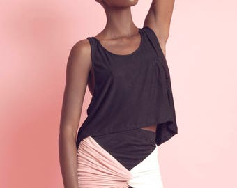 TUCK Sporty Cropped Tank Top with Little Mini Pocket