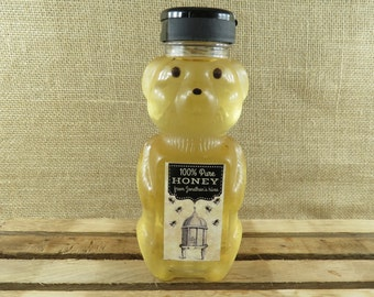Personalized Vintage Style Honey Bear Bottles With Flip Top Lids - Vintage Hive Design - 20 Pieces - BPA Free Plastic
