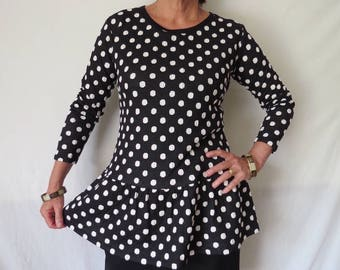 Women's top, Spots, Polka dots, Spotted top, Tunic top, Knit top, Black and White, Handmade, Linen clothing, Long sleeved top, Peplum