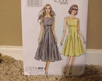 Sz 8/10/12/14/16 - Vogue Dress Pattern V8743 - Misses' Dress in Two Variations - Very Easy Vogue