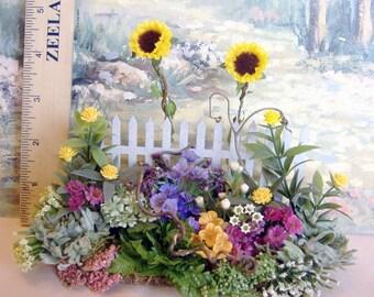 Dollhouse Miniature Sunflower Garden Fence 1:12 scale